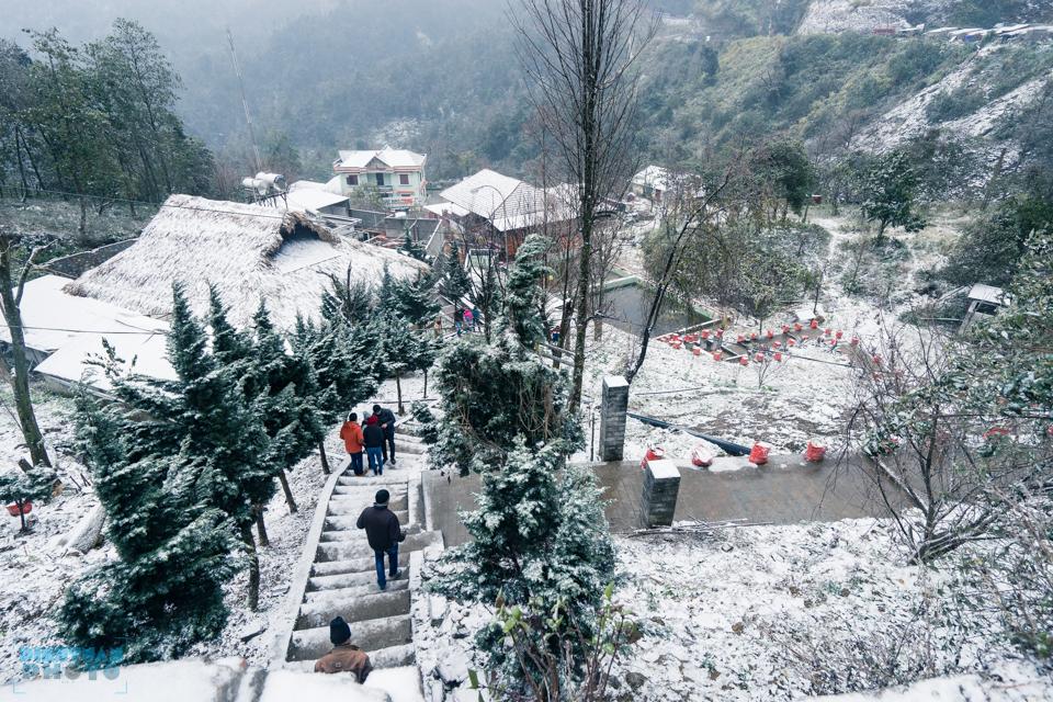 Tuyệt đẹp khoảnh khắc tuyết trắng phủ kín Sapa dưới góc ảnh Nguyễn Đình Tuân