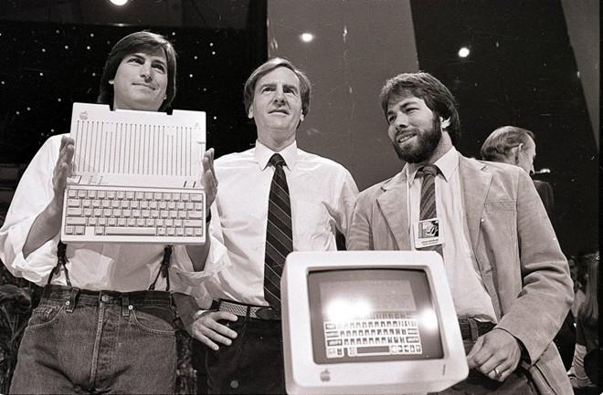 """""""50 con người tạo ra chiếc Mac đầu tiên là những người giỏi nhất mà tôi biết""""."""