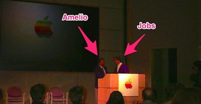 """Steve Jobs châm biến người nắm giữ vị trí CEO của Apple trước khi được Jobs thay thế - Gil Amelio: """"Làm sao ông ta có thể điều hành công ty trong khi ăn trưa một mình tại văn phòng, ăn những món ăn Trung Quốc nhưng lại rêu rao rằng nó đến từ Pháp""""."""